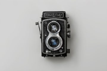 a photo of a rolleiflex camera